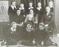 The year photo of Josefa Bulik (in the middle), 1942 r.