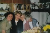 From the left, in the middleSabina Heller and Zofia Hołub