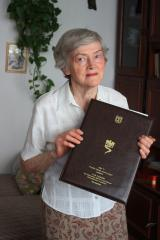 Maria Jankowska with her YV Diploma