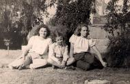 Sima (on the left) with friends, Gan Shmuel 1951