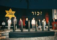 Sima during the ceremony of International Holocaust Remembrance Day, 2006