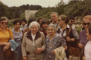 Irena Sendler and Maria Proner in Yad Vashem
