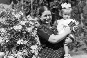 Irena Sendler with her daughter Janina